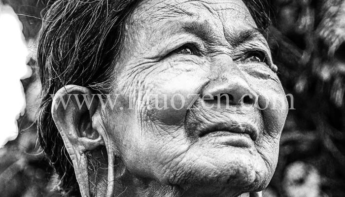 Se non riesci a trovare ciò che stai cercando da tempo, leggi il racconto dell'anziana sarta