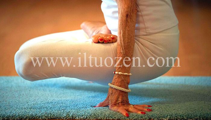 Ecco il segreto della felicità dell'insegnante di yoga più anziana al mondo